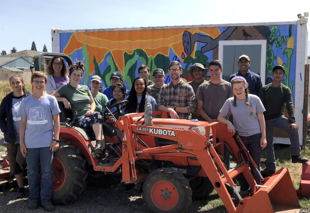 Community Support Gives Youth Farmers the Skills to Create a Healthier, Hunger Free Community